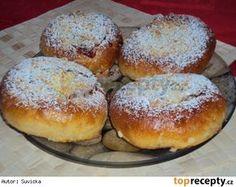Koláče plněné jablkovou náplní Hungarian Recipes, Hamburger, Bread, Food, Brot, Essen, Baking, Burgers, Meals