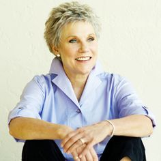 Listen to music from Anne Murray like You Needed Me, Snowbird & more. Find the latest tracks, albums, and images from Anne Murray. Short Grey Hair, Short Hair Styles, Gray Hair, Cut And Style, Style Me, Classic Style, Brave, Aging Gracefully, Famous Faces