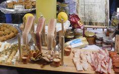 Πλούσιος πολύ ο γαστρονομικός πολιτισμός της Ηπείρου, συμπληρώνει την πολιτιστική ταυτότητά της.Επηρεασμένος από την ιδιομορφία του εδάφους (βουνό-θάλασσα) το κλίμα,… Kiosk, Sausage, Dairy, Cheese, Club, Meat, Shop, Gastronomia, Sausages