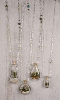 25 Adorable Terrarium Ideas For You To Try - Ohrringe und Schmuck selbst machen - Bottle Jewelry, Bottle Charms, Bottle Necklace, Resin Jewelry, Jewelry Crafts, Handmade Jewelry, Glass Bottle, Jewelery, Jewelry Necklaces