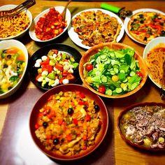 アクアパッツァ、 ボロネーゼフィットチーネ、 ボンゴレロッソ(全粒粉パスタ)、 チキンソテー、 おからピッツァ、 アンチョビピッツァ、 カプレーゼもどき、 サラダ  &  アヒージョ(ヒイカ、ホタテ、マッシュルーム、シラス) - 12件のもぐもぐ - Holiday dinner♪ by rsm
