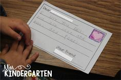 We LoVe to Write!! Children can practice their writing skills with this letter writing template