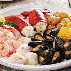 Image from https://www.lobstergram.com/media/catalog/product/cache/1/image/9df78eab33525d08d6e5fb8d27136e95/m/a/maine-lobster-seafood-bake_600_6.jpg.