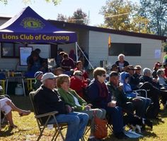 Corryong Lions Club feeding the masses at Banjos Block 2015