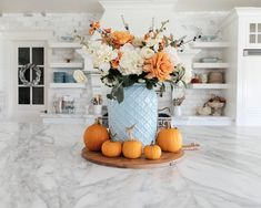 Begin using these home decor suggestions to brighten your house and give it new life. Home decorating is enjoyable and may transform your house into a home when you learn how to do it right. Apartment Decoration, Decoration Bedroom, Fall Home Decor, Autumn Home, Fall Kitchen Decor, Country Kitchen, Blue Fall Decor, Modern Fall Decor, Kitchen Island Decor