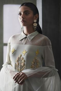 Ideas wedding indian outfit style for 2019 Fashion Details, Look Fashion, High Fashion, Womens Fashion, Fashion Design, Indian Fashion Modern, Trendy Fashion, Indian Fashion Trends, What Is Fashion