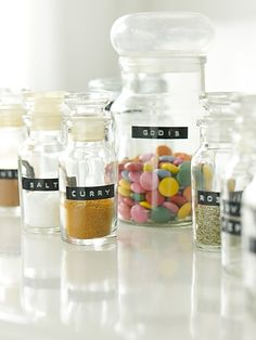 i want a dymo to label my kitchen jars. so pretty.