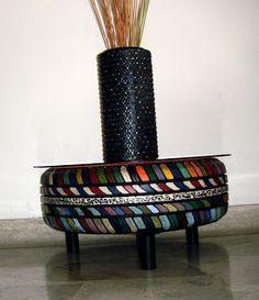 To make into outside seating Tire Furniture, Diy Furniture Projects, Recycled Furniture, Unique Furniture, Diy Projects, Tire Art, Tyres Recycle, Old Tires, Recycling