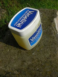uses of vaseline- anyone who knows me well knows I ALWAYS have my trusty Vaseline with me!