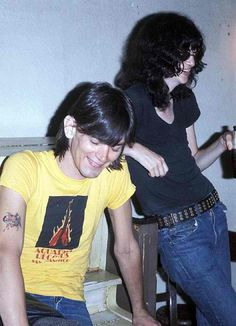 Dee Dee & Joey Ramone ... I adore this photo.