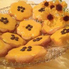 طريقة عمل بسكويت العسل خطوة بخطوة بالتفاصيل والصور Honey Biscuit Recipe, Sweet Light, Biscotti, Pineapple, Muffin, Cooking Recipes, Fruit, Breakfast, Modus Operandi