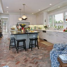 creative ways to brick floor kitchen ideas brick floor kitchen brick flooring and bricks Brick Floor Kitchen, Best Flooring For Kitchen, Kitchen Tiles, New Kitchen, Kitchen Decor, Kitchen Interior, Eclectic Kitchen, Brick Bathroom, Floors Kitchen