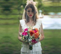 amazing bride! colorful lipstick :)