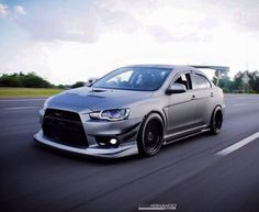 IDK about that wing. Slammed Cars, Jdm Cars, My Dream Car, Dream Cars, Street Racing Cars, Mitsubishi Cars, Evo X, Cars Usa, Mitsubishi Lancer Evolution