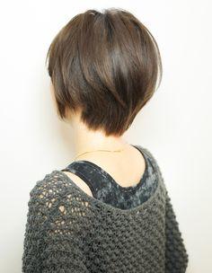 大人、ミセスの毛流れショートヘア(YR-439) | ヘアカタログ・髪型・ヘアスタイル|AFLOAT(アフロート)表参道・銀座・名古屋の美容室・美容院