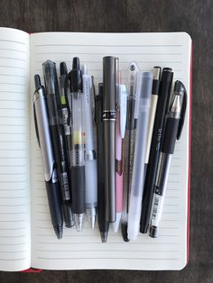 Invest in high-quality pens and paper. Yes, this means you have to go to class. Best Writing Pen, Writing Pens, Best Ballpoint Pen, Note Taking Tips, Best Note Taking Pens, High Quality Pens, Stationary School, Pretty Notes, Best Pens