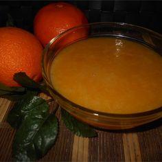 Sos pomarańczowy to doskonały dodatek do deserów, lodów czy naleśników. Słodkie połączenie karmelu z kawałkami pomarańczy tworzą wspaniałą kompozycje. Sprawdź! Fondue, Pudding, Cheese, Ethnic Recipes, Desserts, Tailgate Desserts, Deserts, Custard Pudding, Puddings
