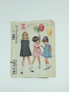 Vintage Baby Lamb Girl/'s Pinafore Pattern sizes 2 6 4