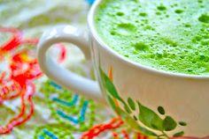 Pear Kale Green Juice  1 red anjou pear  handful of green kale  handful of parsley  3 stalks of celery  1 lemon with peel