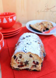 Stollen, typical Christmas sweet bread from Germany Mexican Food Recipes, Sweet Recipes, Dessert Recipes, Desserts, Xmas Food, Christmas Baking, Christmas Foods, Tea Snacks, Stollen