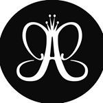 123.2K vind-ik-leuks, 1,278 reacties - Anastasia Beverly Hills (@anastasiabeverlyhills) op Instagram: 'Brows and liner using #Dipbrow in Dark Brown  @helenareynismakeup  #anastasiabrows'