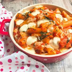 Rigatoni with Tomato, Basil & Mozzarella