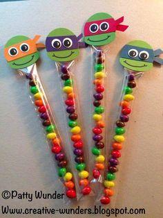 Lindo lindo.. inspiração de decor dos docinhos pra uma festa de tartarugas ninja!!!