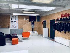 De boel kort en klein slaan tegen stress: eerste 'rage room' in Brussel Business Planning, Business Ideas, Summer Bucket, Rage, Orlando, Diana, Architecture Design, Spa, Entertainment