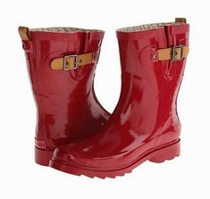 Wide Calf Rain Boots in styles that are fashionable and functional. All these boots fit wider calf sizes Hunter Wellies, Boating Outfit, Wide Calf Boots, Buy Shoes Online, Beautiful Shoes, Black Boots, Me Too Shoes, Rubber Rain Boots, Calves