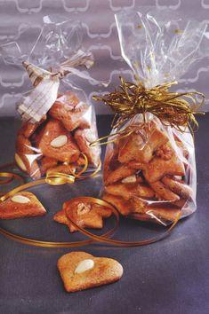 Mäkké špaldové medovníčky - SLADKA EMA Baby Food Recipes, Sweet Recipes, Baking Recipes, Cake Recipes, Dessert Recipes, Healthy Recipes, Christmas Candy, Christmas Baking, Christmas Cookies