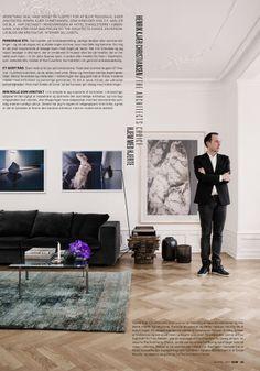PK61 bord. Kunst af Absalon Kirkeby. Serge Mouille lampem, Eilersen sofa, nani marquina tæppe.