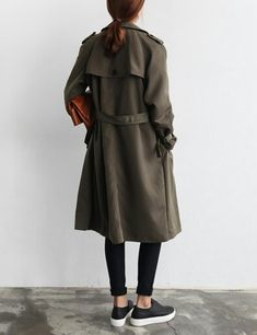 street style / army green trench + black rolled skinnies + black vans