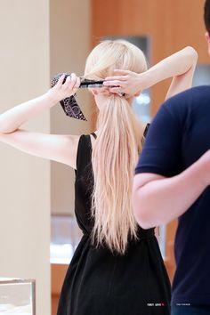 Rosé (beautiful from all angles) Look Rose, Cute Rose, Kim Jisoo, Rose Hair, Rose Blonde Hair, Black Pink Kpop, Blackpink Fashion, Petite Fashion, Curvy Fashion