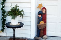 fence post outdoor nativity ~ I love nativities - I think I will try this, I've been looking for something inexpensive to set outside...