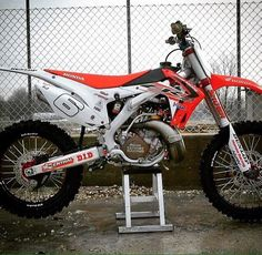 my all time fave bike: the honda CR250 two stroke