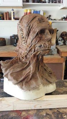 Halloween burlap mask by firstspartan on HF. Scary Scarecrow Costume, Scarecrow Mask, Halloween Costumes Scarecrow, Halloween Forum, Fete Halloween, Scary Halloween Decorations, Creepy Halloween, Outdoor Halloween, Halloween Crafts