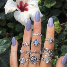 Hand Jewelry, Cute Jewelry, Boho Jewelry, Jewelry Accessories, Unique Wedding Hairstyles, Best Wedding Makeup, Elegant Wedding Hair, Nail Ring, Accesorios Casual