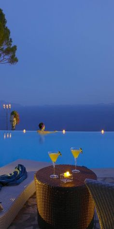 Cliffside infinity pool at Hotel Caesar Augustus, Italy | LOLO