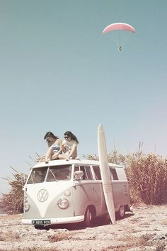 VW Bus at the Beach ☮ re-pinned by http://www.wfpblogs.com/author/southfloridah2o