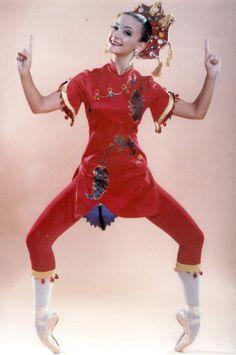 Soloist Miranda Bailey as Chinese Tea in Columbia City Ballet's NUTCRACKER