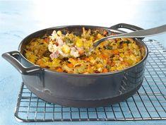 Kinkku-kasviskiusaus   Valio Food N, Food And Drink, Easy Cooking, Paella, Feel Good, Macaroni And Cheese, Baking, Ethnic Recipes, Kitchen