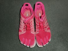 Women's Pink, Silver FILA SKELE-TOES Athletic Running Shoes, Size 7.5, GUC!  #FILASKELETOES #AthleticRunningCrossTrainingMinimusStyle