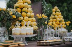Pineapple Centerpiece, Greenery Centerpiece, Yellow Desserts, Lemon Desserts, Yellow Birthday Parties, Plan Your Wedding, Wedding Ideas, Wedding Themes, Wedding Decor