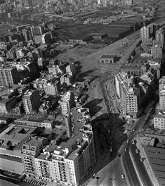 1962 Av Meridiana entre Fabra i Puig y Concepción Arenal con el tránsito desviado por esta última | Avinguda Meridiana - La Barcelona de antes