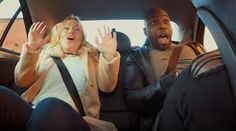 Publicidad #noticias #NellaBisuTej Ex piloto de F1 hizo divertida broma a pasajeros de un taxi
