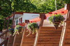Offering a terrace and views of the river, Motel Ile d'Orleans is set in St-Laurent-de-l'Île-d'Orléans in the Ile d'Orleans Region, mi from Quebec. Canada, Quebec City, Motel, Terrace, The Good Place, Deck, Places, Outdoor Decor, Balcony