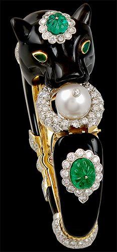 VAN CLEEF & ARPELS Diamond, Onyx, Pearl & Carved Emerald Bangle