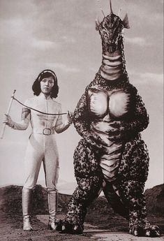 Since 1954 the Japanese monster Godzilla has reigned its terror on audiences captivated by its freak nature. Sci Fi Movies, Old Movies, Cinema Tv, Japanese Monster, Classic Monsters, Vintage Horror, Creature Feature, Horror Films, Horror Posters