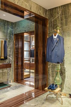 ab6aba26771e carbondale blends history + modernity for dolce & gabbana's venice palazzo  boutique. Retail DesignPalazzoVeniceMuseumsOfficesSuit JacketShopsTentsDesks
