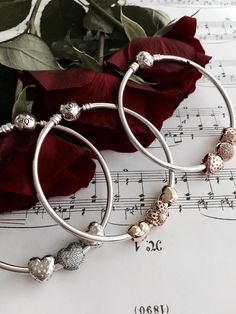 Pick your favorite look and material #PANDORAbracelet #hearts #sterlingsilver #13ktGold #PANDORArose all simple and elegant on a classic bangle #PANDORAvalentinescontest